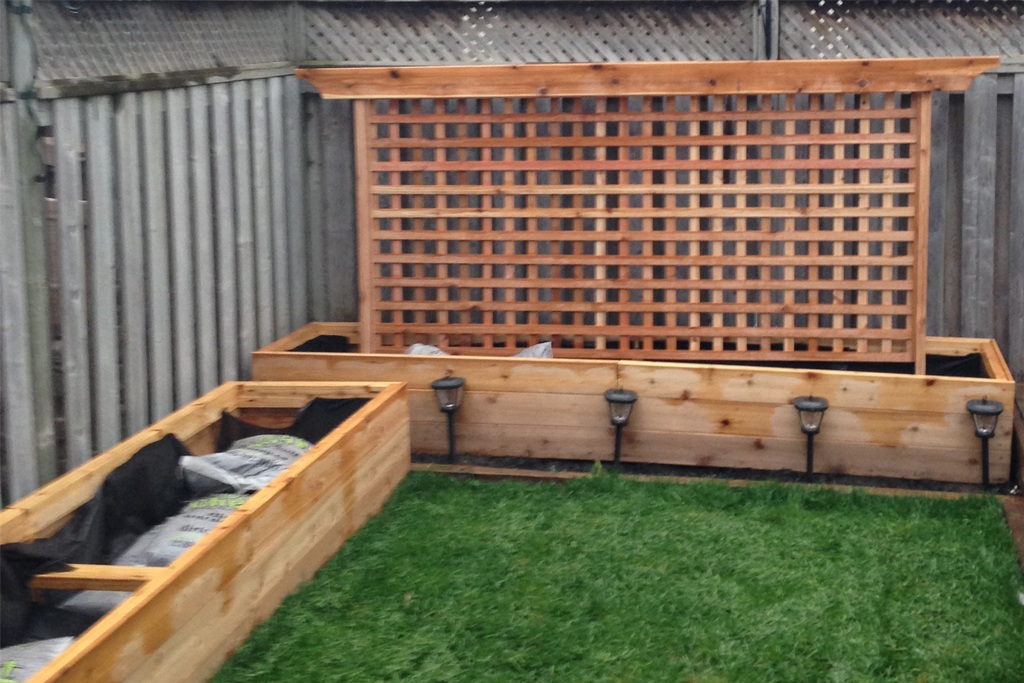 Cedar Garden Box and Trellis